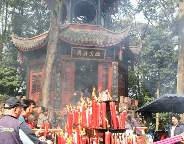 emei-temple-incense